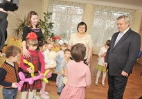 Губернатор Василий Юрьевич Голубев в детском доме
